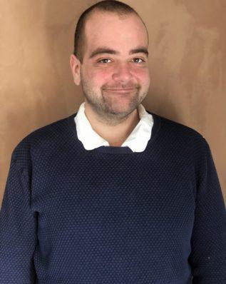 https://mussamtale.dk/wp-content/uploads/2021/03/Mathias_2-scaled.jpg